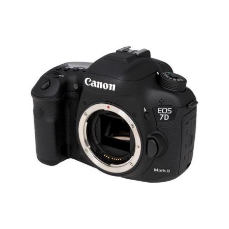 Canon EOS 7D II Kit (18-135 nano)